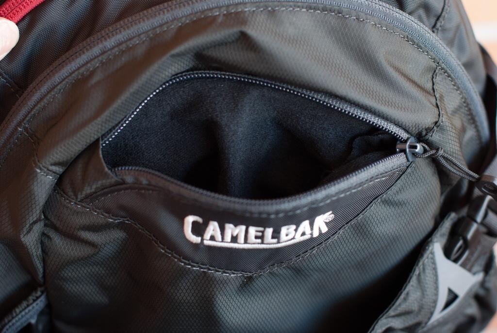 Camelbak H.A.W.G. - Bolsillo para el móvil o gafas
