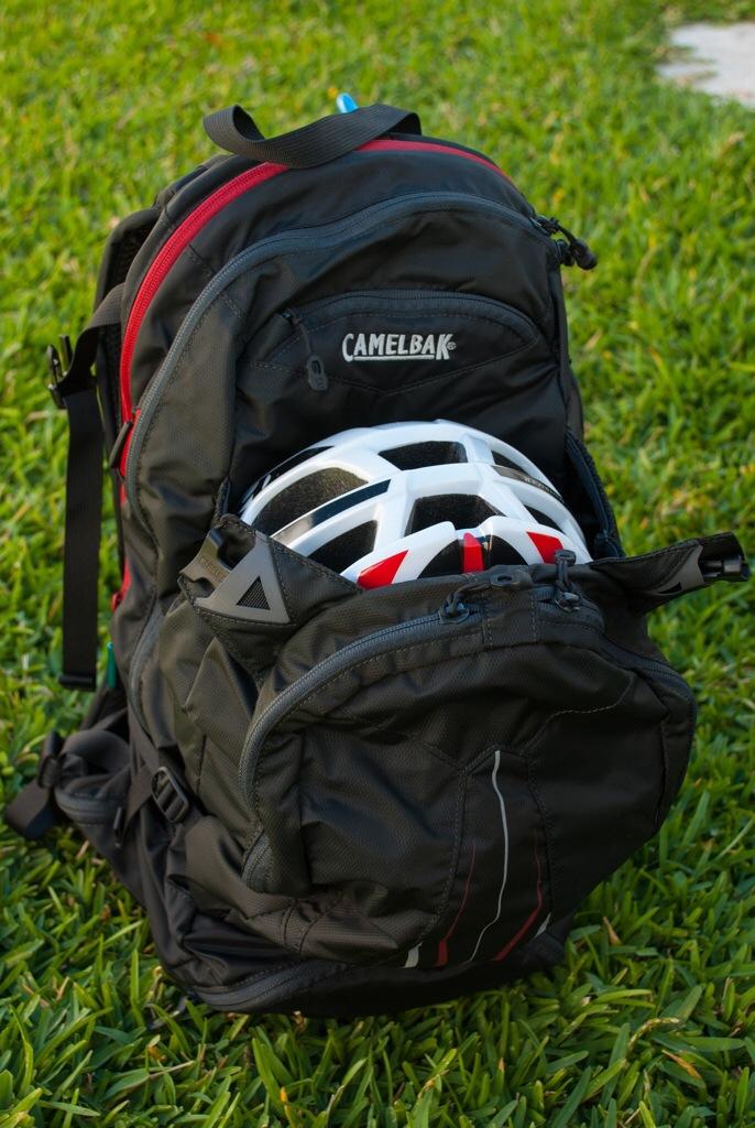 Camelbak H.A.W.G. - Apartado para el casco