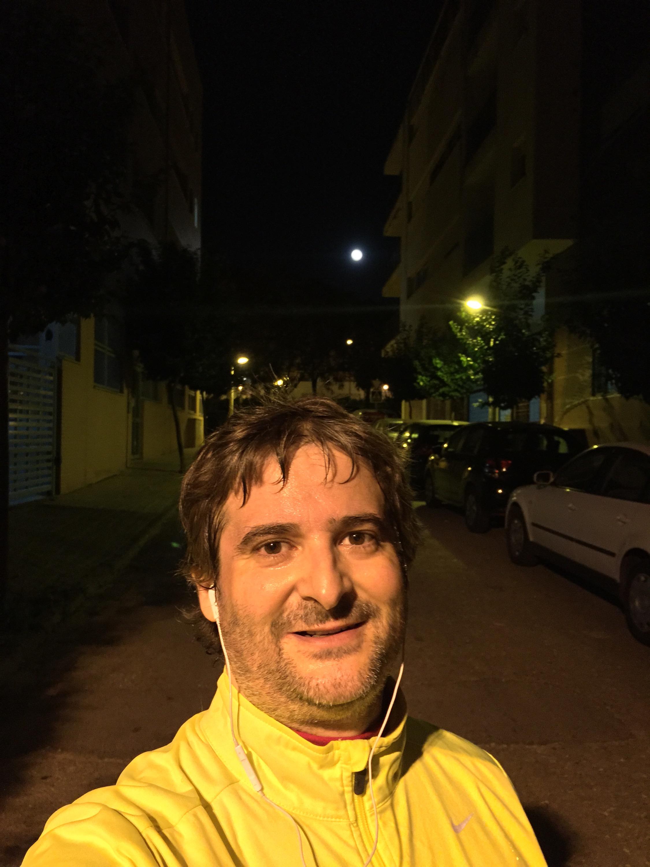 Finalizando los 10km bajo la luna llena