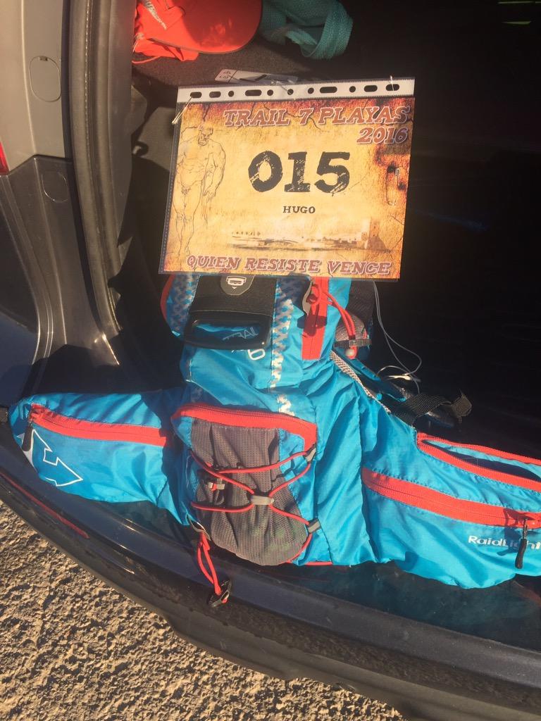 Dorsal recogido y mochila preparada
