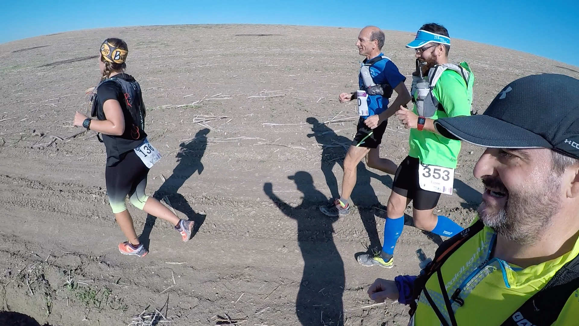 Compartiendo los primeros kms con Chris, Kiko y Emilio