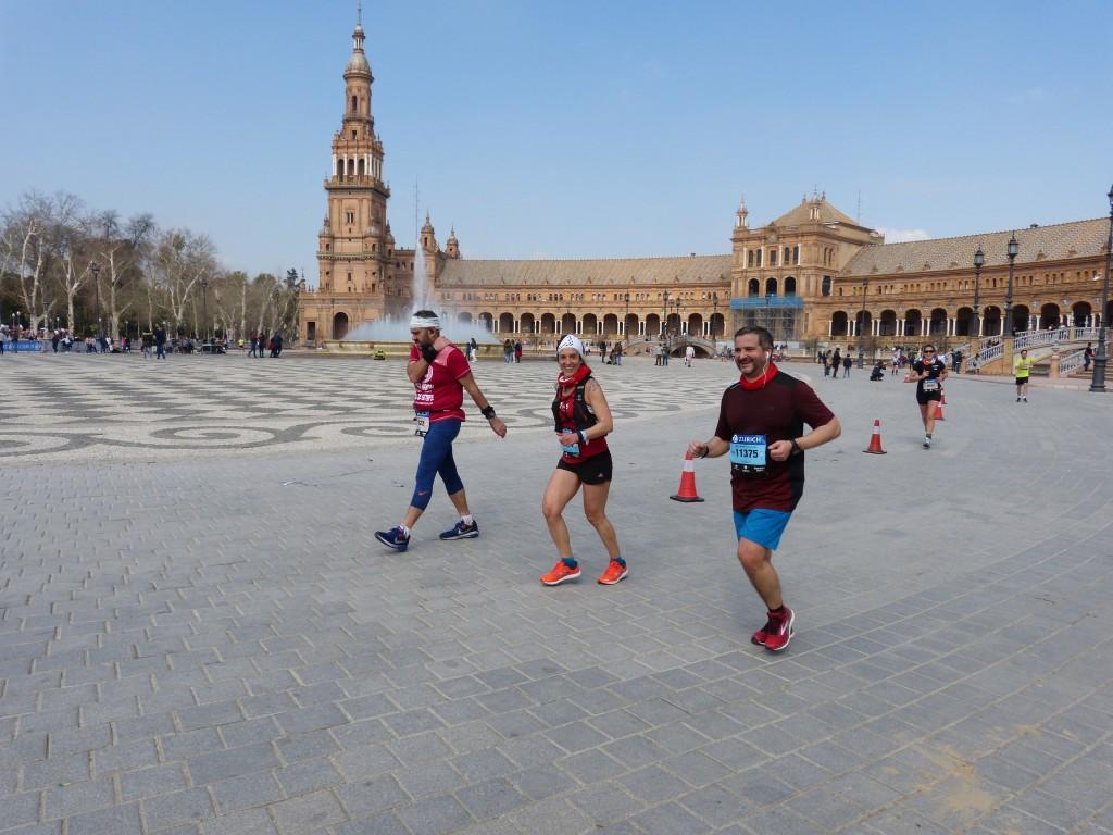 Paso por Plaza de España (Foto: Javier Serrano)
